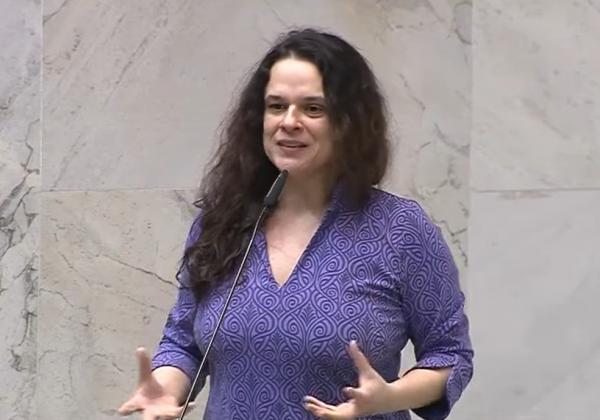 'Desconectados da realidade', diz Janaina sobre adeptos do impeachment de Bolsonaro
