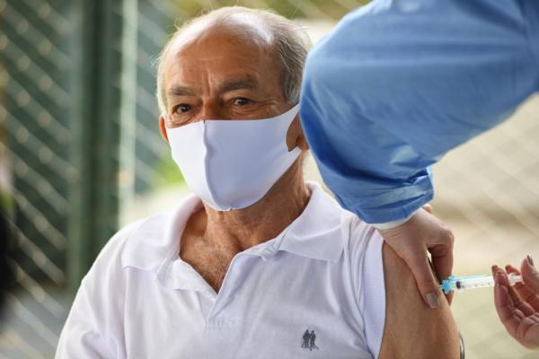 COVID-19 – Vacinação neste sábado será na Praça das Américas