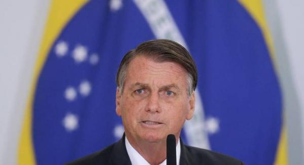 Bolsonaro zera imposto de importação de medicamentos