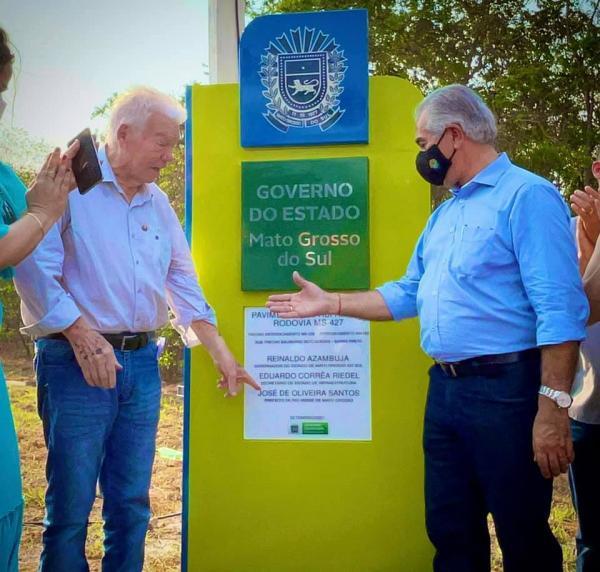 """Reinaldo entrega pavimentação da """"Estrada das Águas"""" em Rio Verde"""