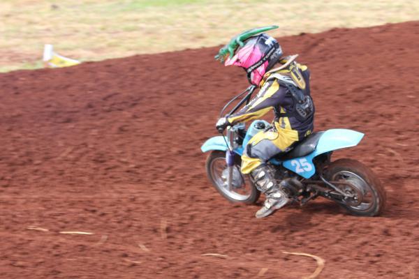 Piloto Flávio Brito brilha no Motocross sul-mato-grossense