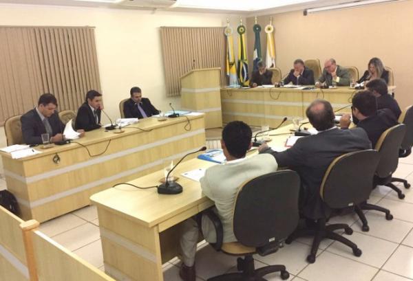 Câmara põe fim ao recesso parlamentar do meio do ano