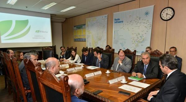 Governador cobra de ministro construção de 3ª faixas nas BRs-262 e 158