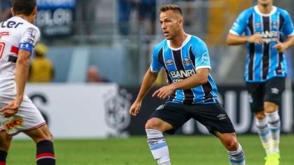Barça prepara proposta de 25 milhões de euros por Arthur