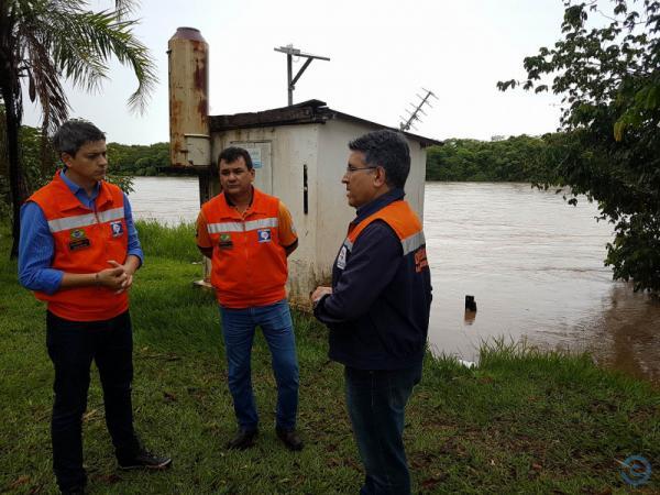Rio Taquari continua subindo e mantém alerta