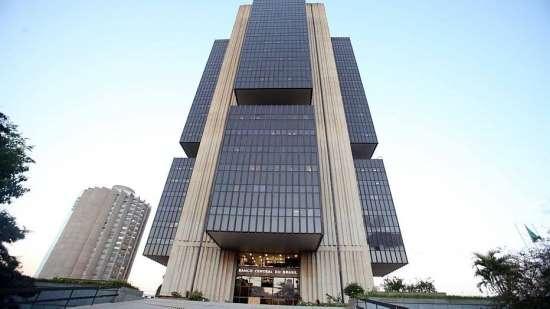 BC reduz taxa Selic para 6,75% e juro atinge novo piso histórico