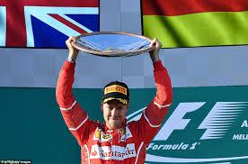 Mercedes erra e Vetel vence GP da Austrália
