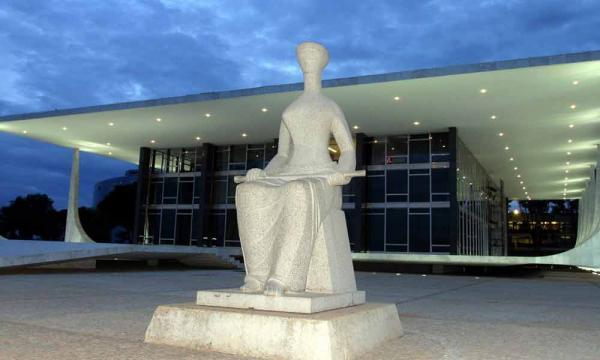 Supremo rejeita habeas corpus e permite que Lula seja preso