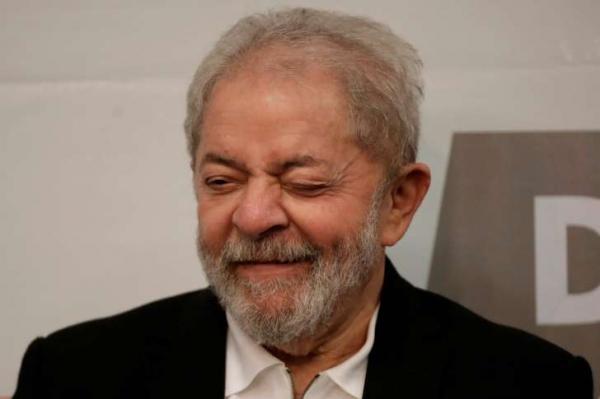 Lula monta esquema para registrar prisão e constranger a PF