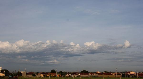 Sábado nublado com possibilidade de chuva