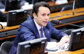 Câmara dos Deputados discute mais um imposto sobre combustíveis