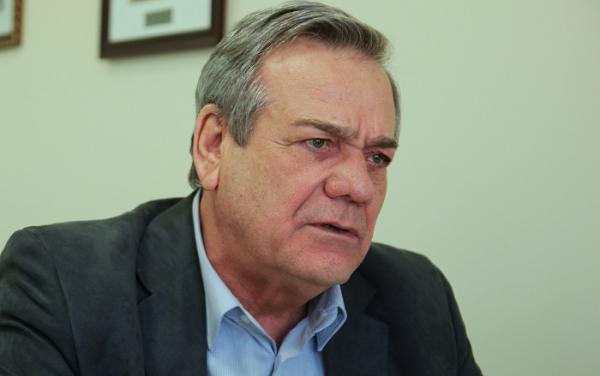 Dez parlamentares evitam pena com recursos no STF