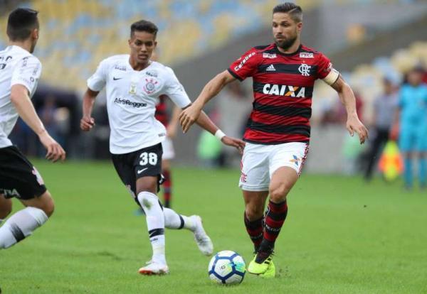 Flamengo vence segue líder do Brasileirão