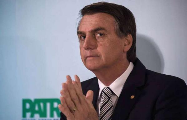 Bolsonaro lidera corrida presidencial em 1º e 2º turnos