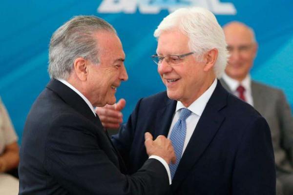 PF pede ao Supremo quebra do sigilo telefônico de Temer, Moreira e Padilha