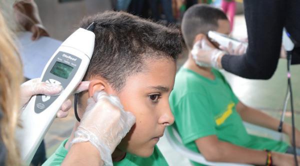 Caravana nas Escolas já identificou quase 5 mil alunos com alteração visual e/ou auditiva
