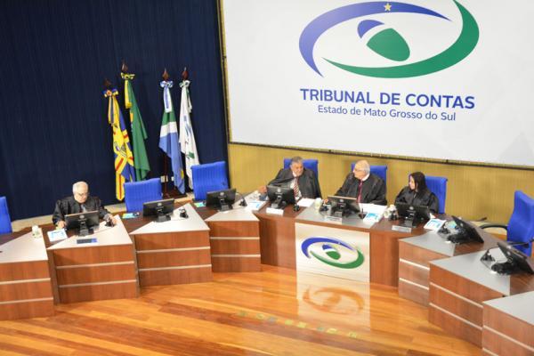 Conselheiros julgam 35 processos em sessão da Primeira Câmara