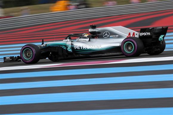 Hamilton passeia e vence GP da França