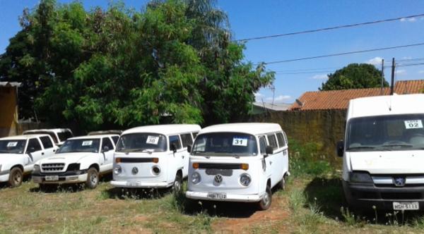Governo leiloa 43 lotes de veículos e sucatas nesta terça-feira