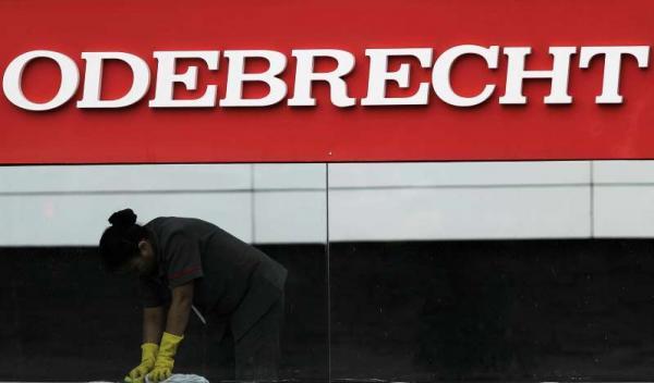 Vereador pede impeachment de Crivella por favorecimento a pastores