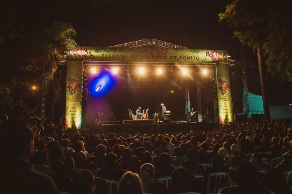 Almir Sater e Renato Teixeira fizeram show histórico no Festival de Bonito