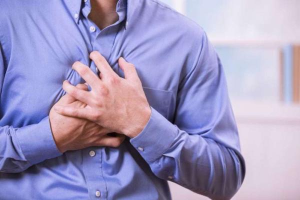 Conheça os sintomas que anunciam o infarto
