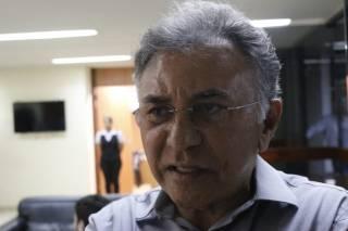 Justiça eleitoral manda retirar faixa com nome de candidato