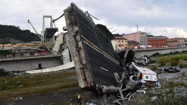 O que pode ter causado a queda da ponte na Itália?