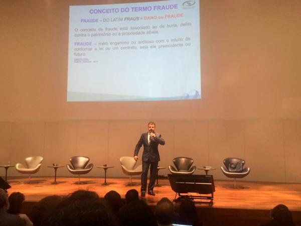 E-EXTRATOR é destaque em Seminário Internacional na Capital Federal