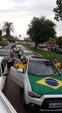 Apoiadores de Bolsonaro realizaram grande carreata no município