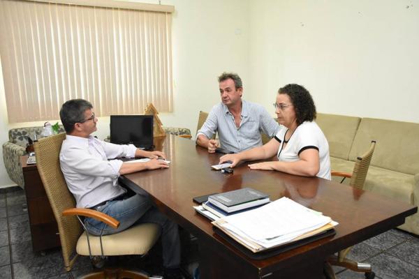 Enelto Ramos recebeu ex-prefeito Mano para falar de projetos e conquista