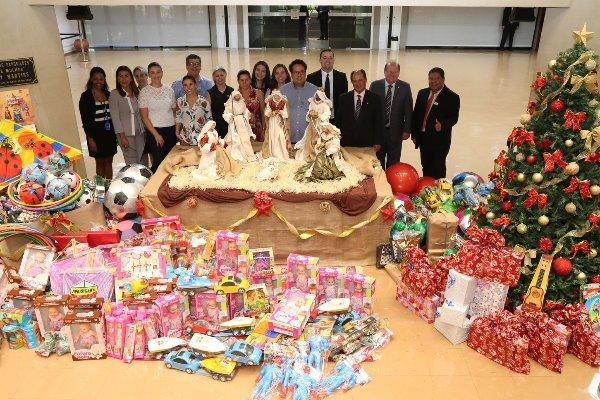 ALMS entrega brinquedos para Campanha Compartilhe o Natal