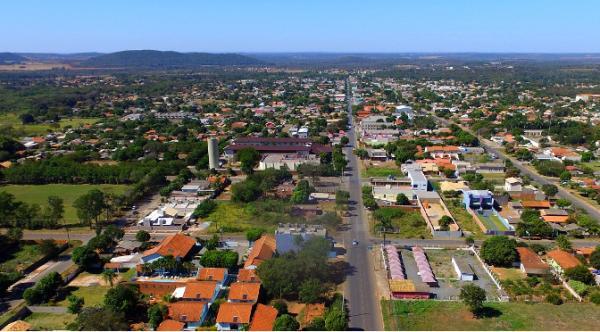 Governador entregas R$ 36 milhões em obras da MS-178 e habitação em Bonito