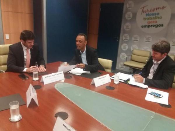 Deputado Júnior Coringa participa de audiência com ministro de turismo