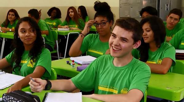 Cresce em 69% oferta de vagas em escolas de ensino médio em tempo integral