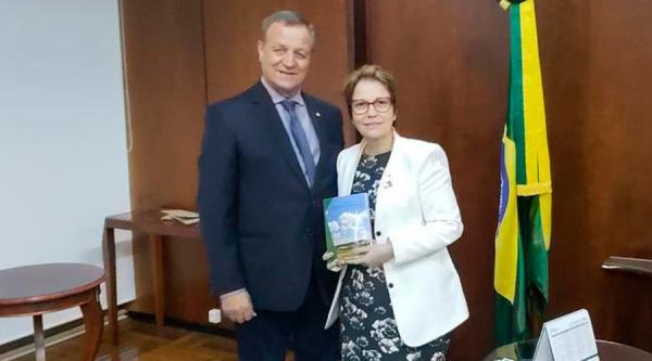 Tereza Cristina anuncia Valdir Colatto para comandar Serviço Florestal Brasileiro