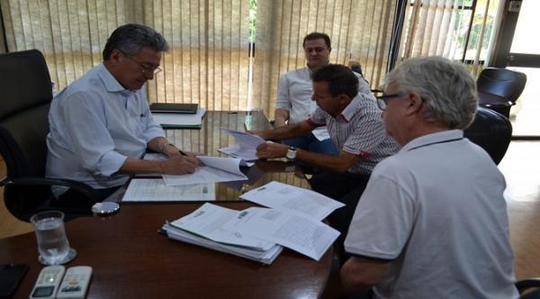 Governo cede área de 3,9 mil m² para estimular formação técnica no município