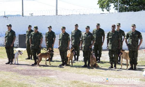 Marinha inaugura canil e cães ajudarão no combate ao tráfico de drogas na fronteira