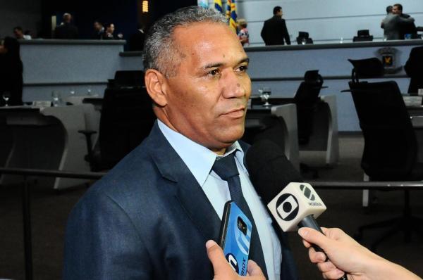 Chiquinho Telles é reconduzido à liderança do prefeito na Câmara Municipal