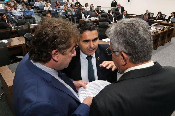 Barragens em Corumbá e a taxa da Cosip em Dourados preocupam deputados