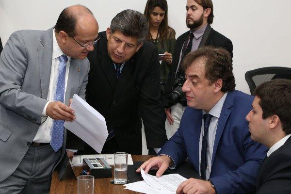 Deputados cobram divulgação de informações sobre tarifa social de energia elétrica
