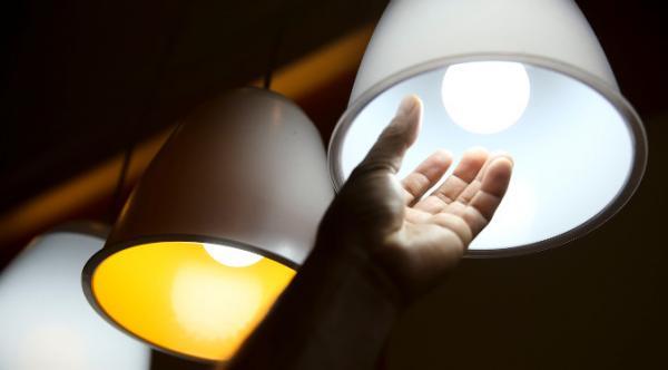 Para beneficiários de programas assistenciais do Governo, conta de luz tem tarifa reduzida