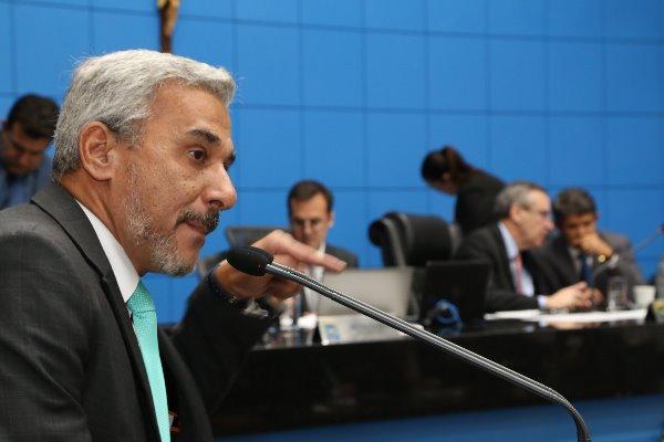 Procon faz apelo a deputados contra desrespeitos ao consumidor