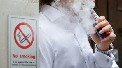 Estudo vincula uso de cigarros eletrônicos a problemas cardíacos