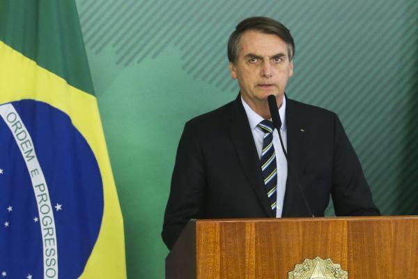 Bolsonaro quer retirar placa de carros do Mercosul