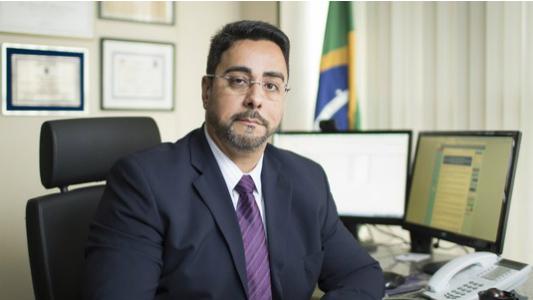 Bretas alega risco para ordem pública ao justificar prisão de Temer