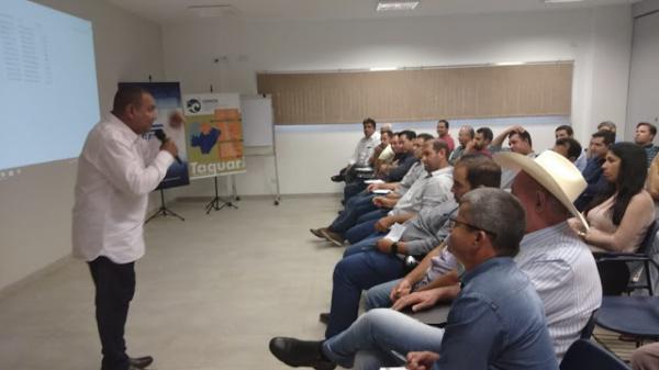 Prefeito Enelto Ramos participou de palestra do COINTA