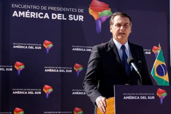 'Alguns não querem largar a velha política', diz Bolsonaro sobre atritos
