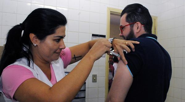 Postos de saúde abrirão nesse sábado para o dia D da vacina contra gripe