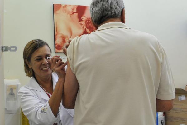 Vacinação contra gripe será estendida para toda população.